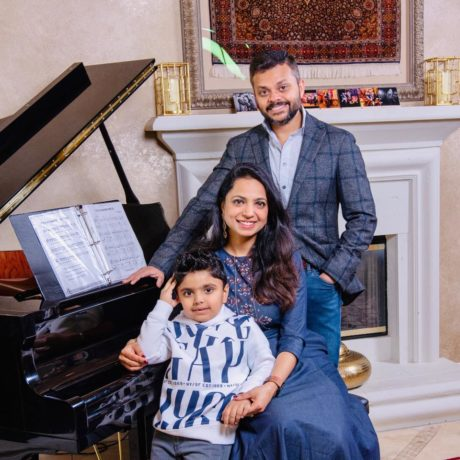Swapnil-agarwal-with-his-family