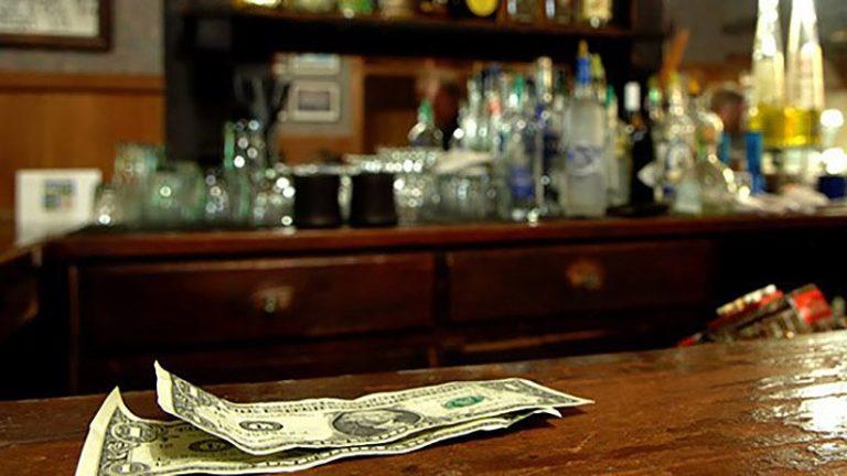 1396655898-choosing-right-cashiering-system-bar