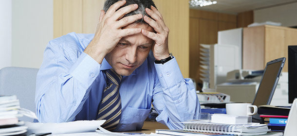 1411589010-sales-management-why-your-team-cant-close-man-stressed-out-2
