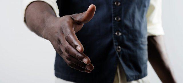 Handshake-closeup-1725x810_28068