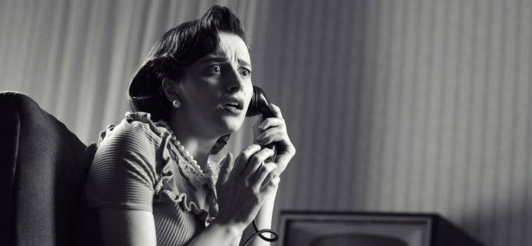 Phone anxiety drama retro 1940x900 33730